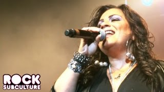 "Lisa Lisa ""I Wonder If I Take You Home"" at Super Freestyle Explosion in San Jose on 6/29/2013"