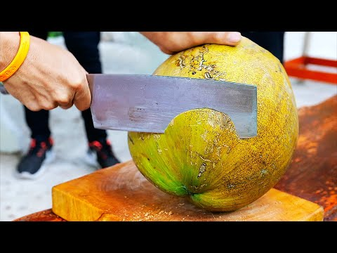 Тайская еда - сом рыба фрикадельки Бангкок морепродукты Таиланд