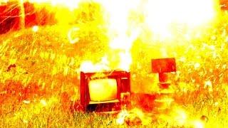Молния ударила в телевизор! Поймали грозу змеем.
