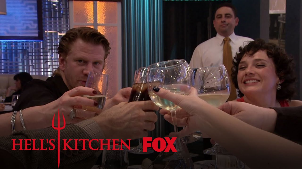 Noureen dewulf and dash mihok dine season 16 ep 2 for Watch hell s kitchen season 16