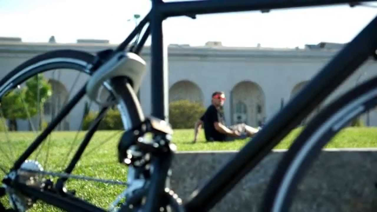 Linka World S First Auto Unlocking Smart Bike Lock Youtube