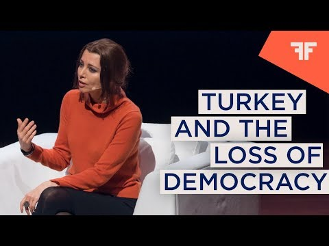 ELIF SHAFAK | IN CONVERSATION WITH PHILIPPA THOMAS: TURKEY AND THE LOSS OF DEMOCRACY  |  OFFinNY