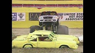 Madusa vs Airborne Ranger Monster Jam World Finals Racing Round 1 2000