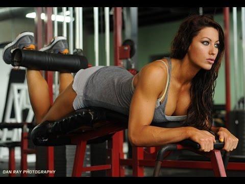 Видео девушки в тренажерном зале фото 449-255