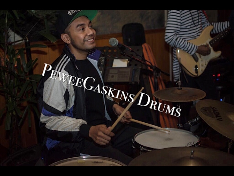 Bonek - welcoming the sophomore PeweeGaskins drums