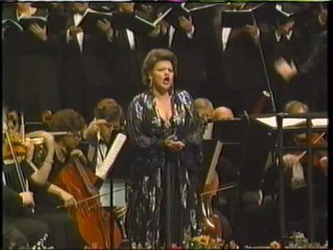 """Dolora Zajick sings """"Innegiamo"""" from Cavalleria rusticana"""