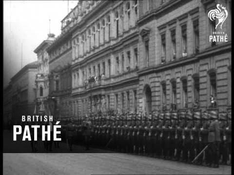 Hindenburg Reviews Guard Of Honour (1920-1929)