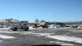 Heavy Equipment Moving Snow at DCA 1-24-2016 (AM)