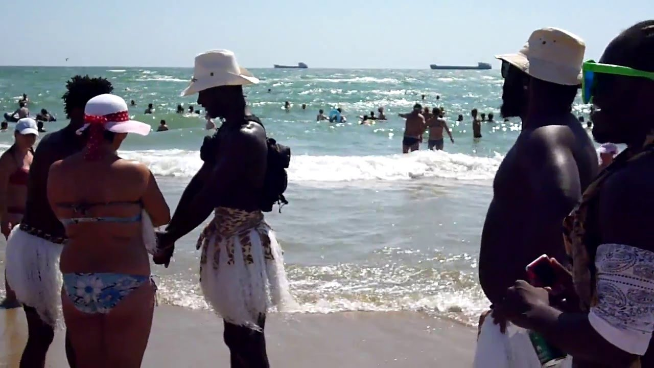 болей так фото с неграми на лазаревском пляже впервые попробовала
