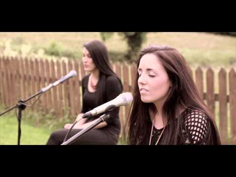 A life Thats Good - lennon and maisy ( Laura May live cover )
