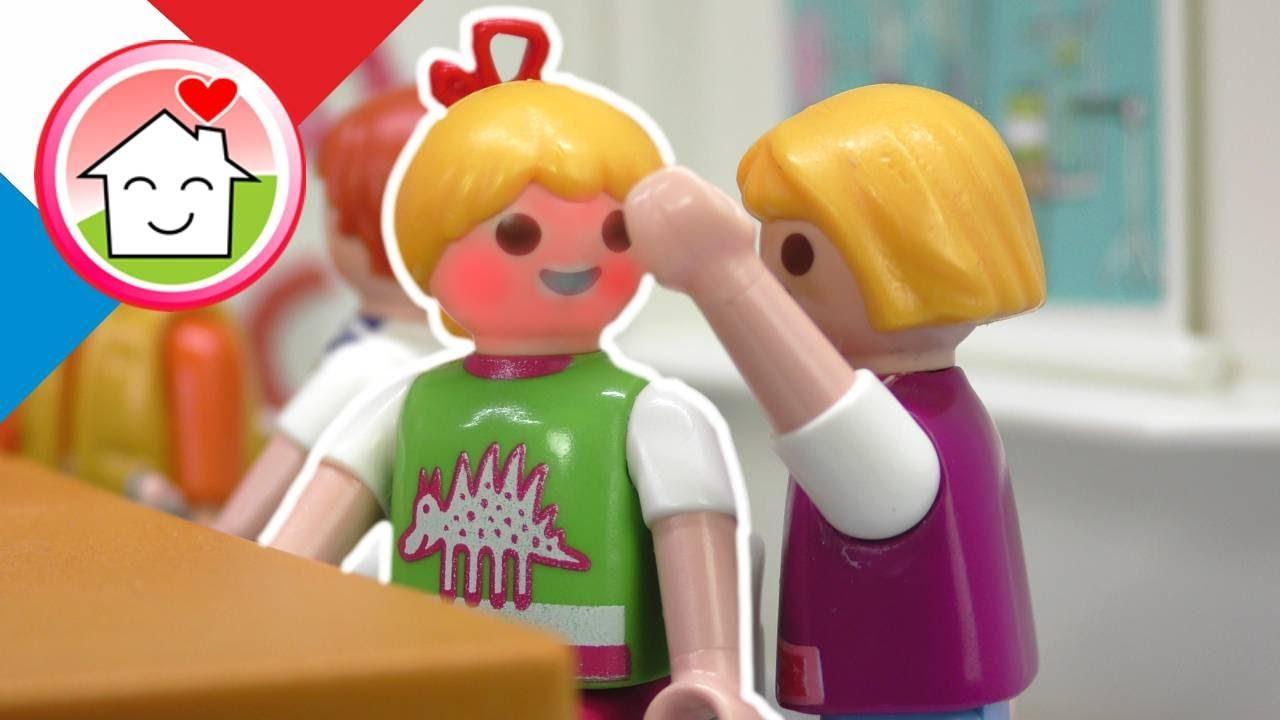 Playmobil en francais Lena est malade - Famille Hauser