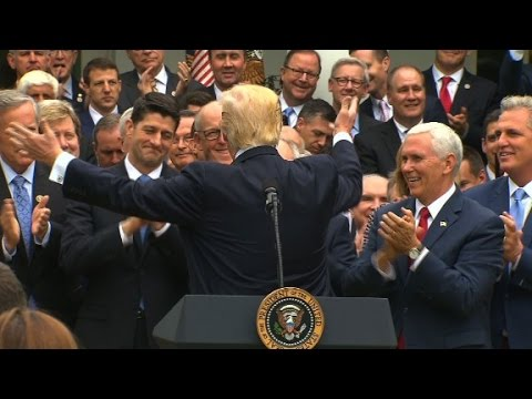 Trump celebrates with GOP at White House