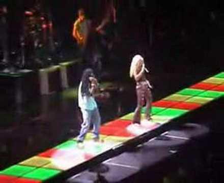 Un Poco De Amor - Shakira - Tour of the Mongoose