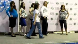 Дефиле беременных от магазина Карманчик(, 2011-05-12T04:02:43.000Z)