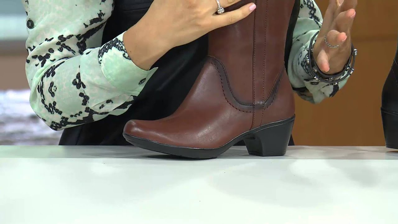 clarks wide width ankle boots