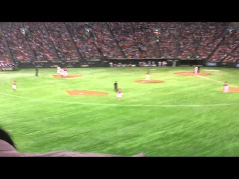 Yomiuri Tokyo Giants Fans Chanting.