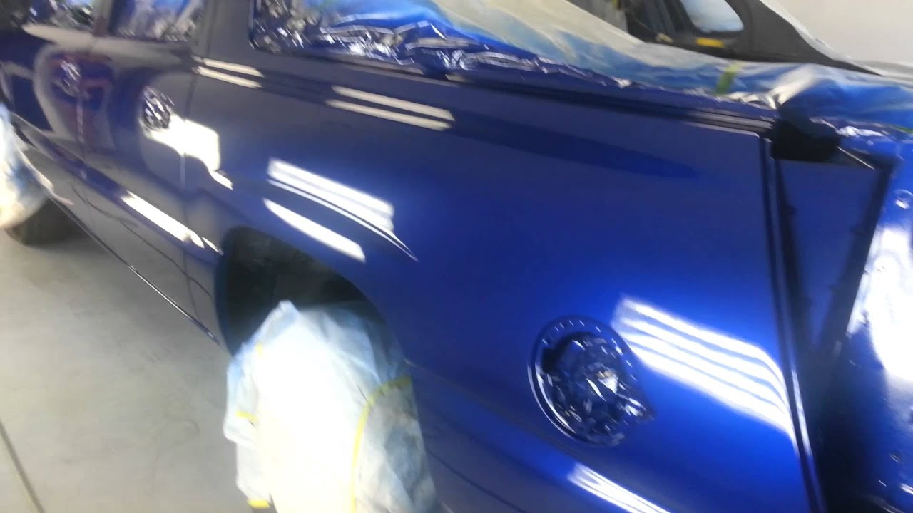 Laser blue metallic 2003 chevy avalanche - YouTube