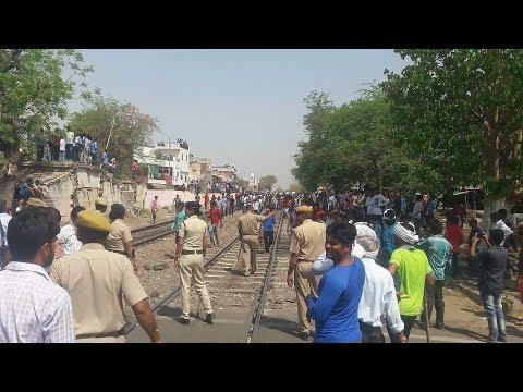 Protesters Stop Trains on Jaipur - Delhi Rail Route.