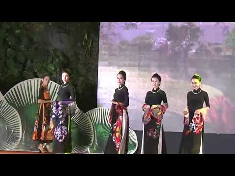 Cutural colour of Malaysia, Indonesia and Vietnam fashion show