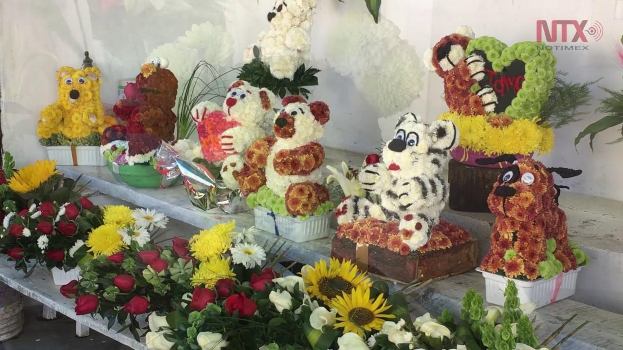 Floristas Ofrecen Nuevos Diseños En Arreglos Florales Para