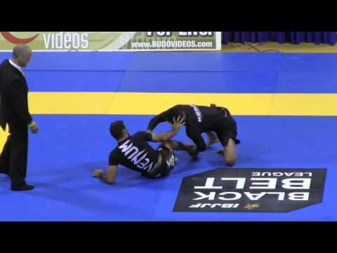 Gilbert Burns vs. Leandro Lo: 2013 IBJJF No-Gi Worlds