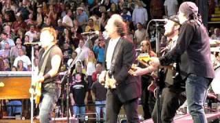 "Bruce Springsteen - Joe Grushecky ""Glory Days"" 05-19-09 Mellon Arena Pittsburgh PA"