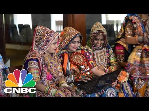 Google Unveils New Products For India | Tech Bet | CNBC