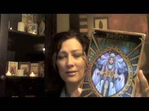 tarot-illuminati-card-deck-review