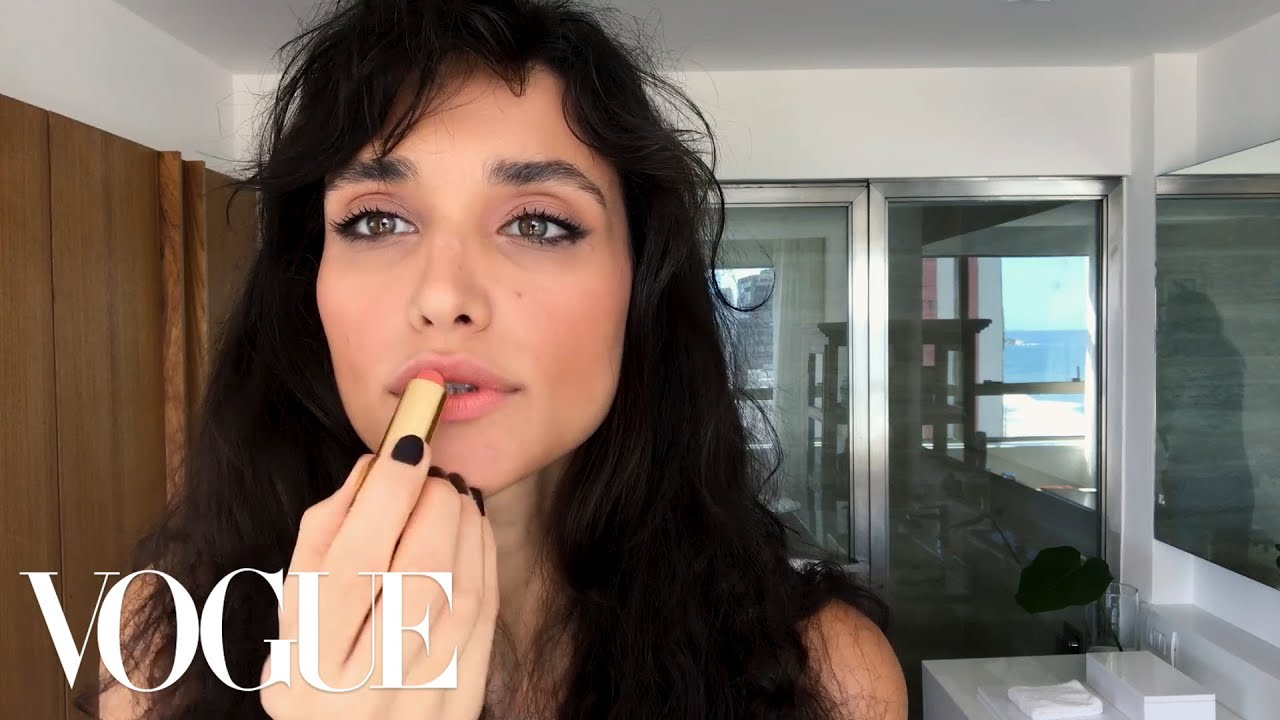 Débora Nascimento's Effortless Date Night Beauty Look | Beauty Secrets | Vogue