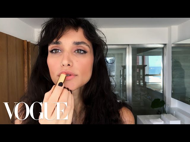 Débora Nascimentos Effortless Date Night Beauty Look | Beauty Secrets | Vogue