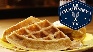 Bacon Brown Sugar Buttermilk Waffles Recipe - Legourmettv