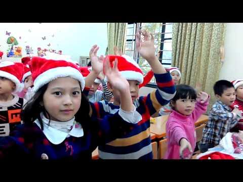 Em bé khỏe em bé ngoan- Lớp 2E. TH Nghĩa Đô. Giáng sinh 2014