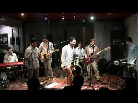 Soulvibe - Warna Cinta @Mostly Jazz 30/06/12 [HD]