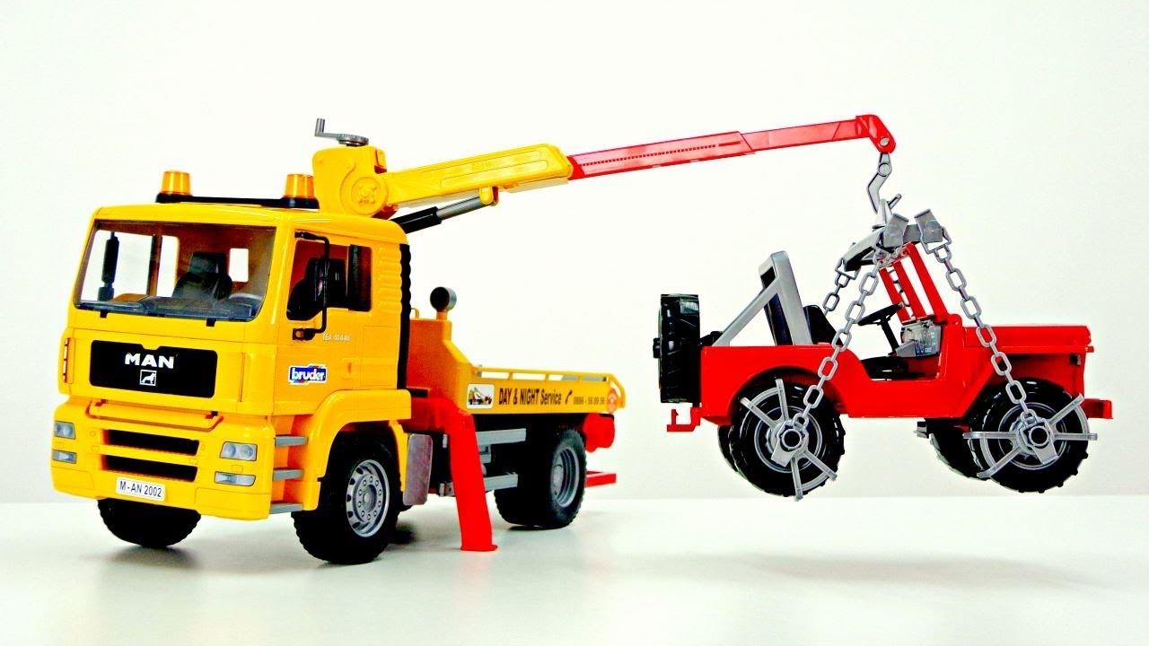 Spielzeugautos wir packen unseren neuen abschleppwagen