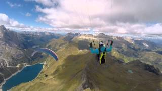 beauty of paragliding