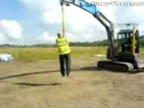 Bored Construction Workers - I hope this funny video doesn't put idea ... Funny Construction Pictures
