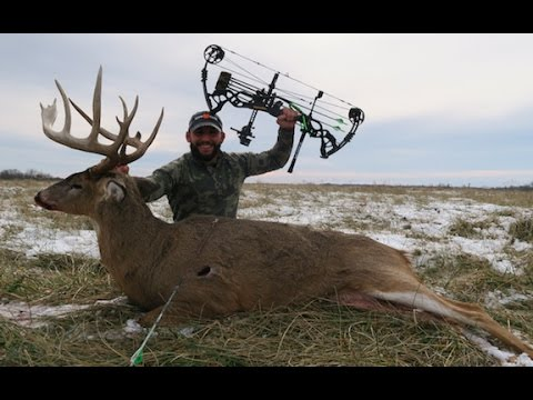 CHAD MENDES' 2017 GIANT OHIO WHITETAIL!!