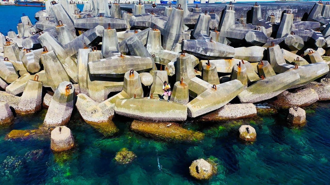 巨大テトラの先端で釣りしたら…?【沖縄本島全域釣り対決#2】