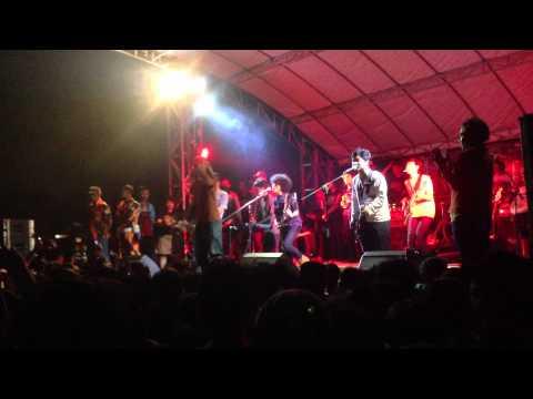 Dhyo Haw - Kecewa Live @Cileungsi 02 July 2013