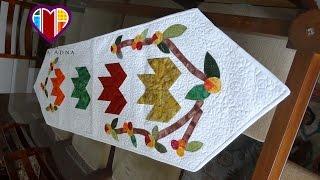 Trilho de mesa em patchwork e apliquê Folhas de outono – Maria Adna Ateliê