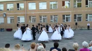 Batthyány Ilona Általános Iskola 8.B  keringő 2014