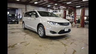 2019 Luxury White Chrysler Pacifica Limited CT6643 Motor Inn Auto Group