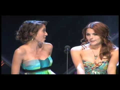 Taryn Southern and Jessica Rose present Best Male in a ...