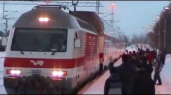 Sähköistysjuhla Rovaniemen rautatieasemalla 1.12.2004