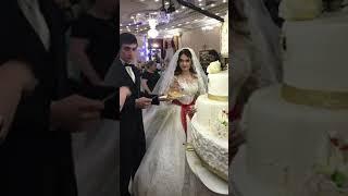 большой свадебный торт)))