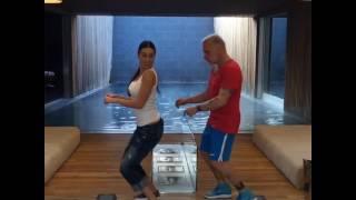 Танец итальянца миллионера Джанлука Ваки!