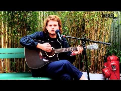 Mac DeMarco  chante  « Salad Days » en acoustique pour les inRocKs