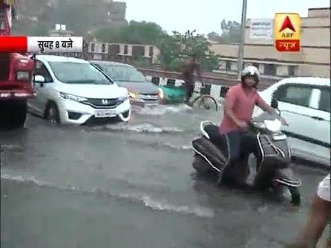 Huge Traffic on NH-24 Between Noida-Ghaziabad Due to Water Logging | ABP News