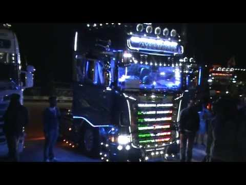 Dj Girl Hd Wallpapers Acconcia Blue Shark Scania Misano Weekend Del Camionista