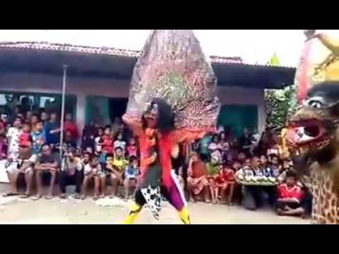 Kesenian Ebeg Cilacap -  Atraksi Barongan VS Reog Ebeg Pemuda Satria Budaya   Glempang